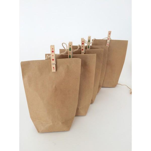 Adventskalender -Nummerierte Holzklammern an Schnur mit Tüten